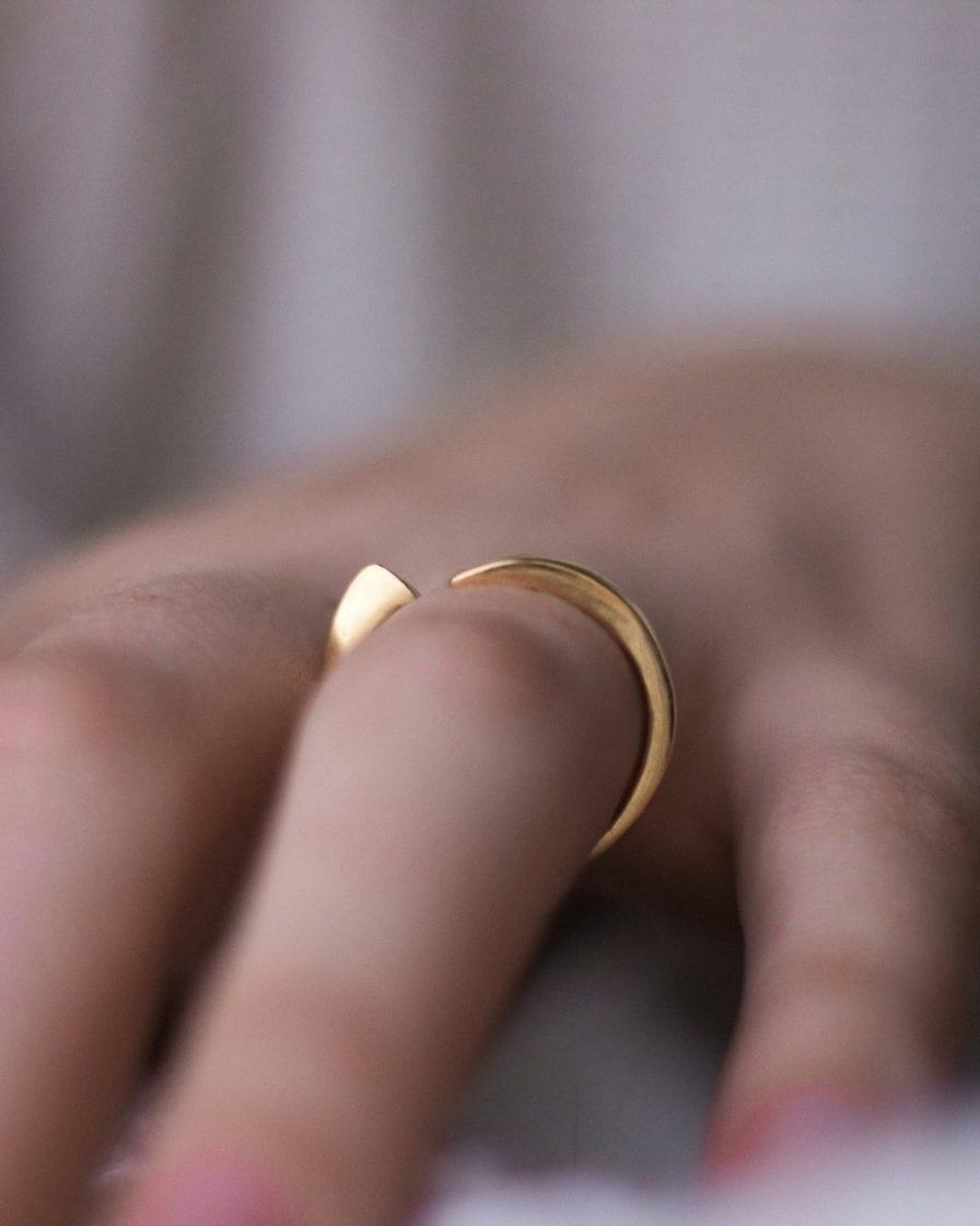 טבעת גיאומטרית זהב