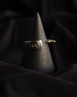 Black Diamonds Flipper Silver Ring