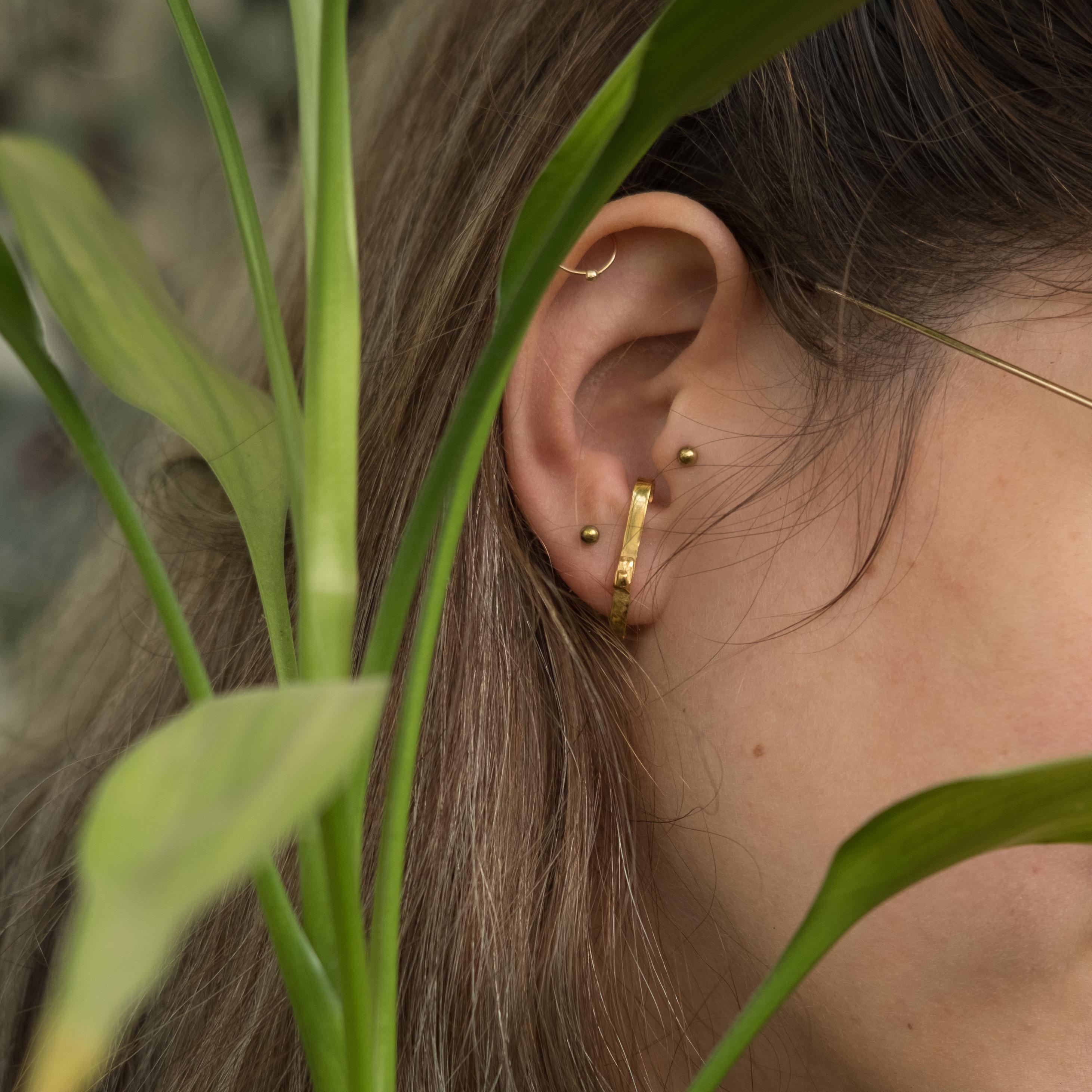 Argon 14K Gold Earring